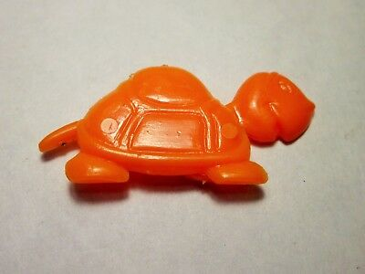 Vintage Cracker Jack plastic snap together turtle, head and tail mover.