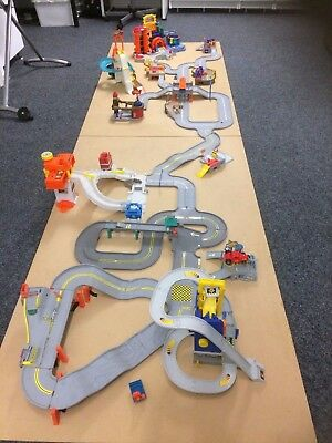 Hot Wheels Track And Buildings