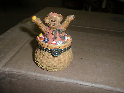 """Longaberger Company EXCLUSIVE ISSUE, BOYD'S 2004 """"UNCLE BEAN""""S TREASURE BOX""""."""