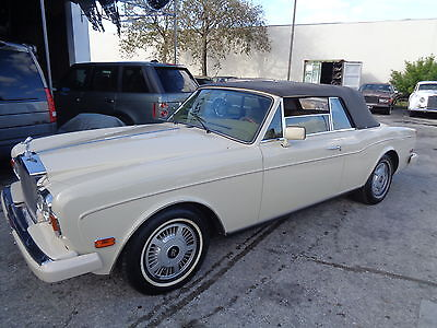 1985 Rolls-Royce Corniche  ROLLS ROYCE CORNICHE 1985 VERY RARE HARD TO FIND ANOTHER ONE LIKE THIS ONE