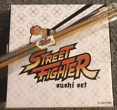 New in Box - Street Fighter Sushi Set & Matching Chopsticks ++ Patch included