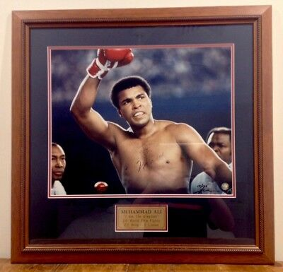"""Muhammad Ali Signed Photo In Frame - Limited Edition - """"I Am The Greatest"""""""