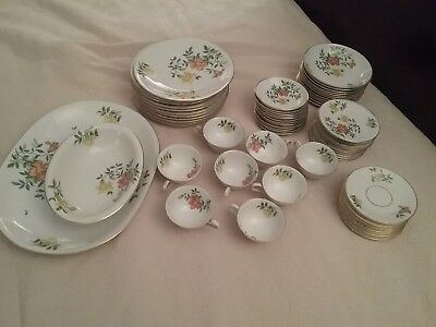88 Pc.H&Co Heinrich Selb Bavaria Germany  HC102 Flowers Gold Trim China Set