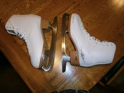 Ladies Ice Skates size 7 colour white SFR Ice Star gold edition in very good con