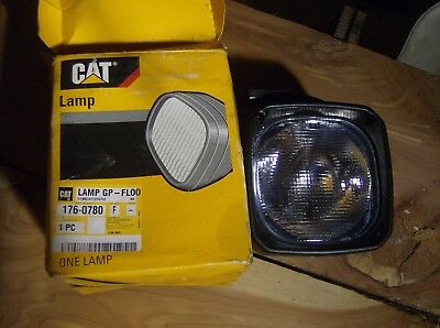 Cat Caterpillar Lamp 176-0780 5X5 2500-24V Flood Lamp 65W
