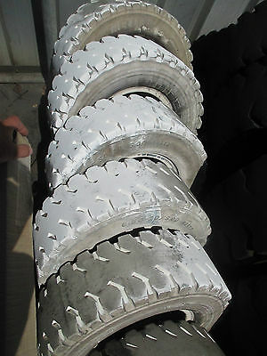 Forklift Solid Tyres & Non Marking Tyres    A04