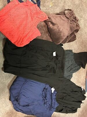 Lot of 7 Items - X-Large maternity clothes from Motherhood, Oh Baby and Old Navy