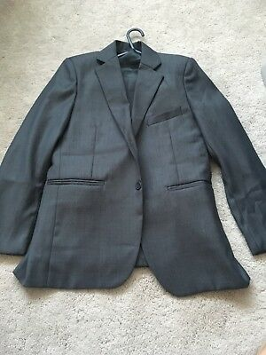 Boys 3 Piece Suit worn once in great condition size 11 years