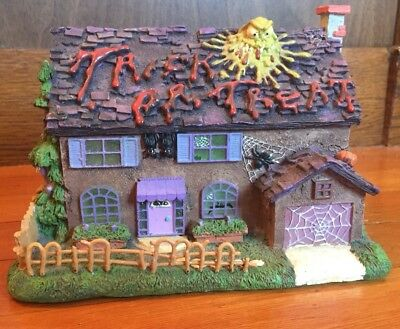 The Simpsons 'The Flanders House' Halloween Village Hamilton Collection