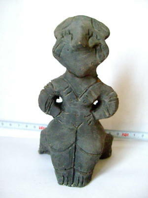 A NICE VINCA NEOLITHIC IDOL FIGURE 2 decorated