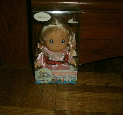 Precious Moments World of Friendship International Hi Babies Doll SWEDISH, NIB