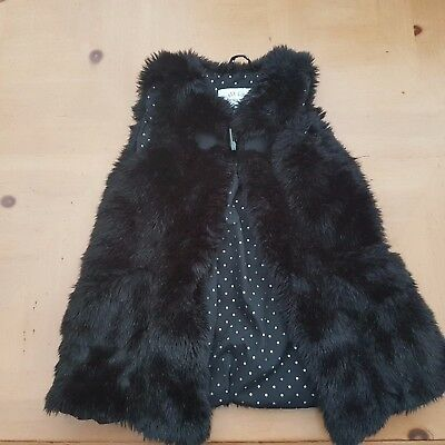 ZARA Girl's Black Fluffy Gilet Size 5 to 6 Years