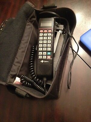 Vintage Motorola Cell Mobile Phone SCN2500A w Carrying Case 1990's Untested