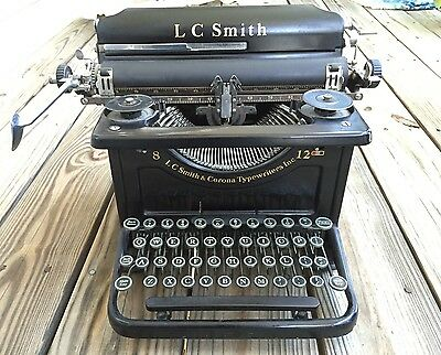 Vintage LC Smith & Corona Typewriters Inc 8 - 12 in. Black Typewriter Beautiful!