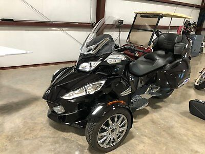 2013 Can-Am Spyder  Can Am Spyder