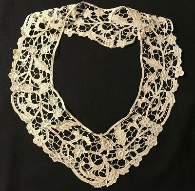 Antique  Off-white Needle Lace Adorable Collar Beautiful Floral Design