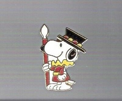 """Snoopy Tower of London Guard 1"""" Cloisonne pin > Vintage AVIVA Peanuts jewelry"""
