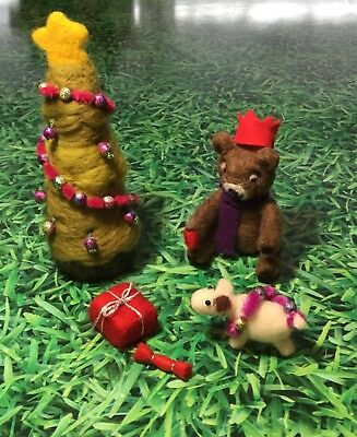 ** Needle felted Teddy Bear and Christmas Tree Scene - hand crafted Xmas OOAK**