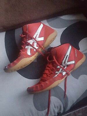 Red asics wrestling shoes  size 9
