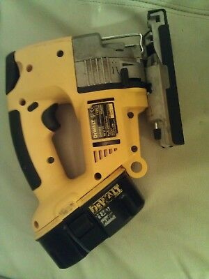 dewalt cordless jigsaw dw933 with battery - very good condition.