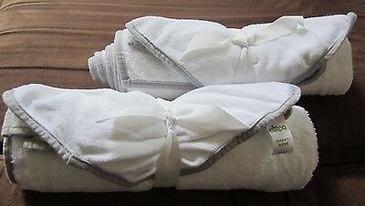 Circo Newborn 4-Piece Bath Towel Set white and grey