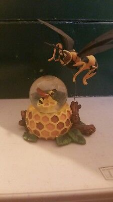 Bumblebee Water Globe Honeycomb with large wasp flying over