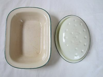 2 VINTAGE CREAM AND GREEN ENAMEL BAKING DISHES 1 Kockum  & Other a Lid
