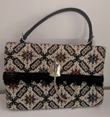 Vintage tapestry bag with gold lock