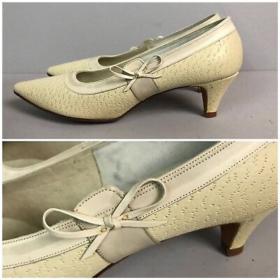 Vintage NOS Deadstock 1950s Creme Leather Kitten Heel Shoes Pointy Toe Shoes 7