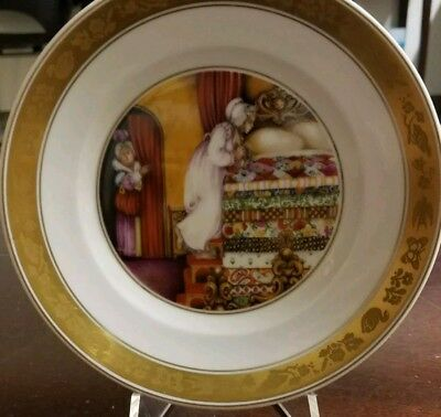 Hans Christian Andersen Plate Royal Copenhagen The Princess and the Pea With Box