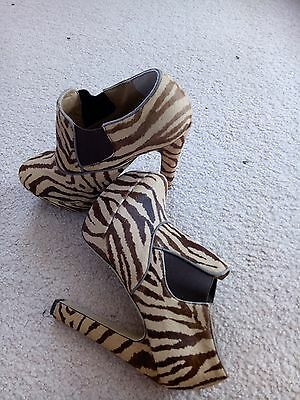 Tony bianco leopard ankle booties s7.5😊grab a bargain