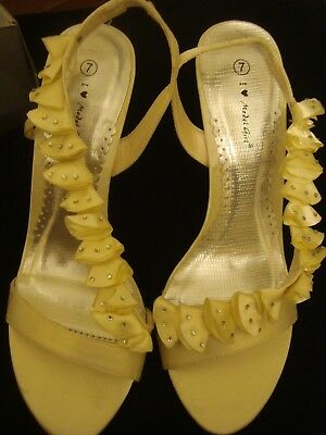 BRIDAL/PROM/PARTY SHOE in IVORY& DIAMANTE. HIGH HEEL SIZE 7 by I LOVE MODEL GIRL