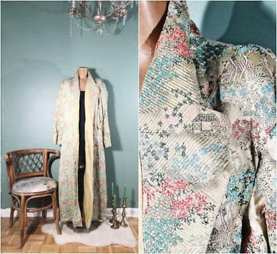 Antique Vtg Satin Brocade Kimono / Chinese Robe / Stunning Print / Asian Pattern