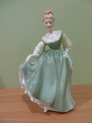 """Royal Doulton Figurine Fair Lady HN 2193 COPR 1962 Mint Hand Decorated 7"""" Gift"""