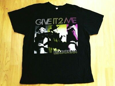 MADONNA concert t-shirt Give it to me size Large 2008