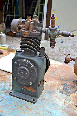 The Auto Air Compressor Wilmington Ohio  Cast iron Antique Vtg Hit Miss