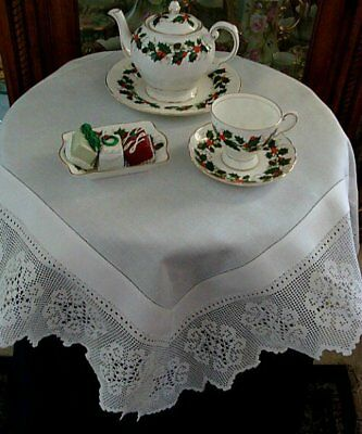 VICTORIAN Antique Linen Lace Tablecloth Topper English Tea Cloth Filet Crochet