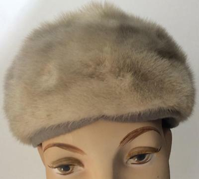 Antique Vtg 1920's - 1940's Genuine real silver gray Mink Fur Pillbox Hat~6 3/4