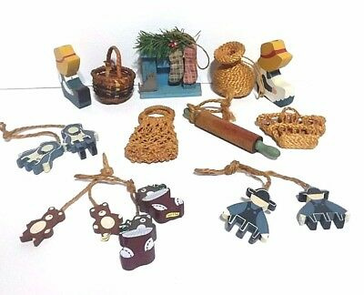 Antique Amish Character Figurines Items  Wood Straw Lot of 12 Old