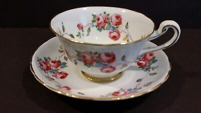 VIntage ROYAL CHELSEA Floral Rose Tea Cup & Saucer Gold England Bone China 4093A