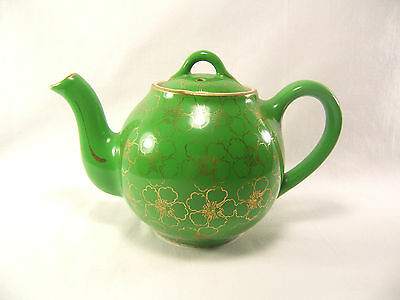 Hall China 4 Cup Teapot Green 24Kt Gold Trim #052  Made in USA CHIPPED SPOUT