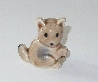 Wade Porcelain Figurines--Minikins--Brown Mouse---Series B--1956-59