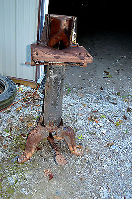 Antique Industrial Machine age Cast SteamPunk Bar Pub End tripod Table Base