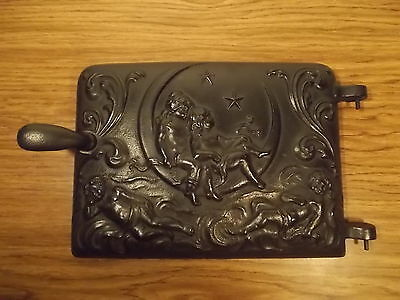 Antique Cast Iron Hearld  Parlor Wood Stove Door Cherubs Moon & Stars  Nr Mint