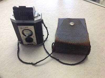 Kodak-Brownie-Reflex-Camera-With-Case