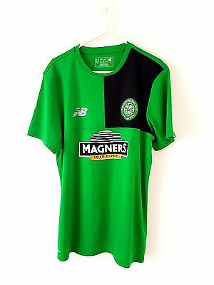Celtic Training Shirt. Medium. NB. Green Adults Short Sleeves Football Top Only