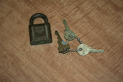 Vintage Yale & Towne Mfg. Padlock With 2 Original Keys Tested And Works!!