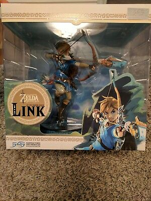 """The Legend Of Zelda Breath Of The Wild 10"""" PVC Painted Statue Link"""