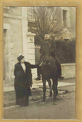 Carte Photo vintage card RPPC femme chapeau fourrure militaire cavalier ph0335
