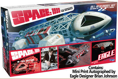 Space 1999 Eagle Transporter Special Limited Edition W/ Print 1/48 Plastic Model